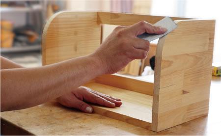 生産的活動(木工)
